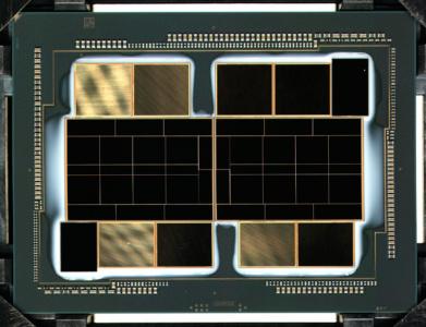 Фото: «голый» многочиповый GPU Intel Xe-HPC для высокопроизводительных ускорителей Ponte Vecchio