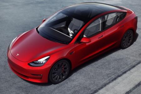 В Европе подешевели автомобили Tesla Model 3