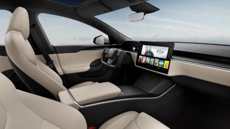 Tesla представила рестайлинговую версию Model S и новую модификацию с запасом хода в 836 км