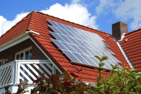Держенергоефективності: В Україні вже близько 30 тис. домогосподарств встановили сонячні електростанції загальною потужністю 780 МВт [інфографіка]