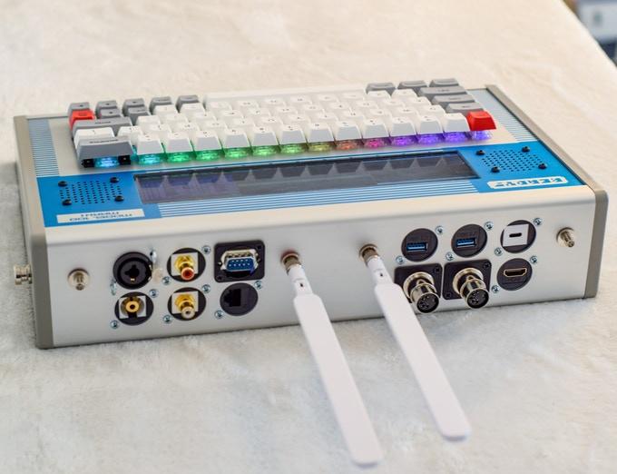 Ready! Model 100 - набор для создания собственного портативного PC