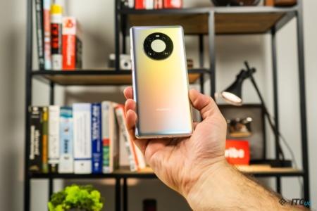 Лидер Huawei назвал iPhone 12 «лучшим смартфоном в мире» и заявил, что хочет поговорить с президентом США Джо Байденом