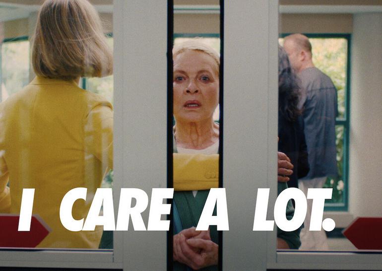 Рецензия на фильм «Авантюристка» / I Care a Lot