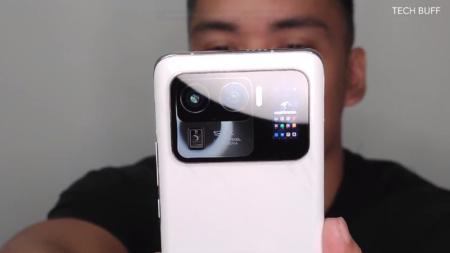 120-кратный зум и дополнительный дисплей — Xiaomi Mi 11 Ultra засветился в ролике