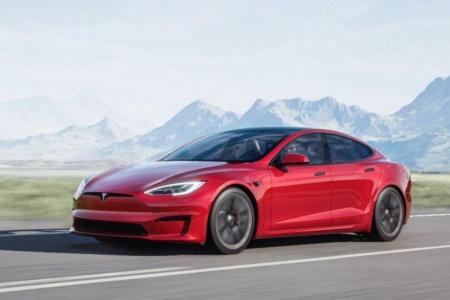 Топовая Tesla Model S Plaid+ подорожала на 10 000 долларов (теперь она стоит от 149 990 долларов), а первые поставки запланированы на середину 2022 года