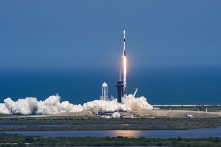 SpaceX повторила действующий рекорд — в девятый раз запустила и посадила одну и ту же ступень Falcon 9. Число заявок на подключение Starlink перевалило за 500 тыс.