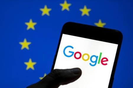Google согласился бесплатно размещать до 12 поисковых систем для выбора по умолчанию в смартфонах Android в Европе