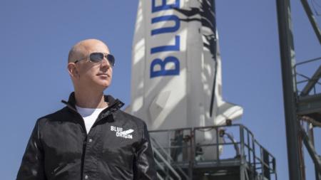 Джефф Безос вместе с братом полетит в космос в рамках первого пассажирского полета New Shepard 20 июля