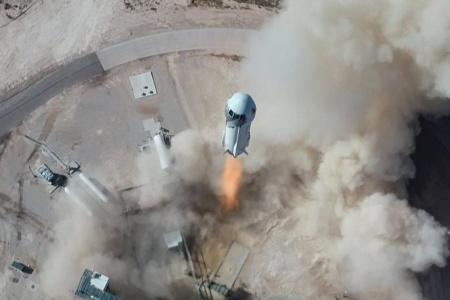 «Спрос очень-преочень высок». Джефф Безос рассказал, что Blue Origin уже получила заказы на частные полеты на сумму 100 миллионов долларов