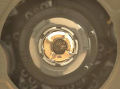 Марсоход Perseverance получил второй образец марсианской породы за одну неделю