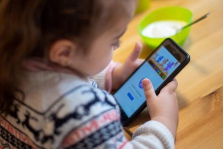 «Нам нужно больше времени, чтобы во всем разобраться». Facebook после критики приостановила разработку детской версии Instagram